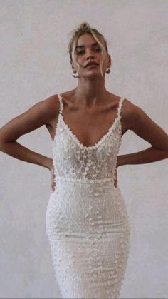 Dream Wedding Dresses, Wedding Gowns, Fashion Wedding Dress, Sheath Wedding Dresses, Modern Wedding Dresses, Wedding Dresses Tight Fitted, Sleek Wedding Dress, Australian Wedding Dresses, Wedding Dressses
