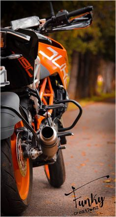 Duke Motorcycle, Duke Bike, Photo Background Images Hd, Blur Background Photography, Ktm Motorcycles, Motocross Bikes, Joker Iphone Wallpaper, Galaxy Wallpaper, Mahindra Jeep