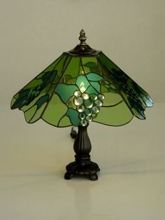 Stained Glass Lamp Shades, Stained Glass Table Lamps, Stained Glass Crafts, Tiffany Lamp Shade, Tiffany Chandelier, Chandelier Lighting, Tiffany Glass, Vintage Lamps, Window Panels