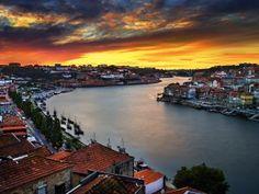 Puesta de sol en Oporto (Portugal)