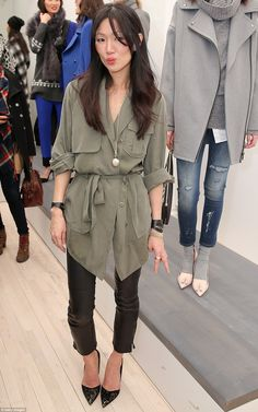 Banana Republic plays it safe with first ever NYFW presentation #dailymail