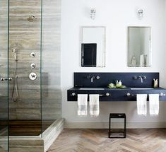Beautiful Farmhouse Bathroom Design and Decor Ideas You Will Go Crazy For Tags: Small bathroom ideas Small bathroom remodel Master bathroom ideas Shower ideas bathroom Guest bathroom Master bathroom remodel Beautiful Bathrooms, Modern Bathroom, Master Bathroom, Loft Bathroom, Bathroom Black, Masculine Bathroom, Vanity Bathroom, Vanity Mirrors, Master Shower