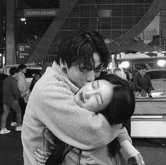 ─ ✧ ─ pιɴтereѕт: мrѕprwɴĸle christmas wishlist in 2019 ulzzang couple, coup Mode Ulzzang, Ulzzang Korean Girl, Korean Couple, Best Couple, Cute Relationship Goals, Cute Relationships, Couple Ulzzang, Parejas Goals Tumblr, Couple Goals Cuddling