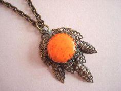 verkopers.marktplaats.nl/7443487 Vintage 20s 30's ketting hanger oranje emaille steen