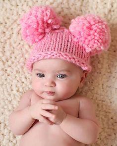 Items similar to Baby Pom Pom Beanie on Etsy Baby Knitting, Crochet Baby, Loom Knitting, Cute Baby Girl, Baby Love, January Baby, Loom Knit Hat, Cute Babies Photography, Little Kid Fashion