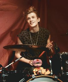 Tristan Evans - The Vamps Tristan The Vamps, Bradley The Vamps, Will Simpson, Brad Simpson, Evan And Connor, Foster The People, Jake Miller, New Hope Club, How To Play Drums