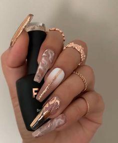 Ongles Bling Bling, Bling Nails, Swag Nails, 3d Nails, Rhinestone Nails, Stiletto Nails, Gold Acrylic Nails, Summer Acrylic Nails, Acrylic Nail Designs