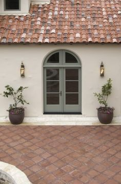 Best exterior paint colors for house stucco ideas spanish style 41 ideas Best Exterior Paint, Exterior Paint Colors For House, Paint Colors For Home, Exterior Colors, Paint Colours, Wall Colours, Exterior Design, Stucco Homes, Stucco Exterior