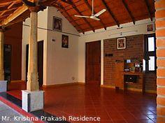 Kerala Traditional House, Traditional House Plans, Traditional Homes, Indian Home Design, Kerala House Design, Village House Design, Village Houses, Chettinad House, Hut House