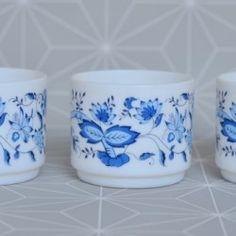Trio de tasses Arcopal  - Pauline et paulette la boutique vintage : www.paulineetpaulette.Fr