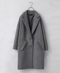 昨年に引き続き流行しているチェスターコート。かっちりしているので、カジュアルにもフォーマルにもコーデすることができます。どんなシーンにも着ていける為、困ったときはチェスターコートを羽織りましょう。 Blazer, Womens Fashion, How To Wear, Jackets, Style, Coats, Wallpaper, Down Jackets, Swag