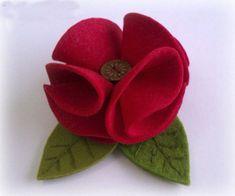 Sasha's World: Flower of felt Handmade Flowers, Diy Flowers, Fabric Flowers, Paper Flowers, Felt Flowers Patterns, Felt Flower Tutorial, Bow Tutorial, Material Flowers, Felt Crafts Diy