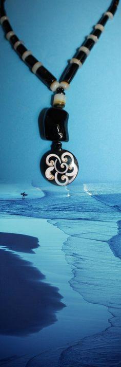 @BlackCoral4you  black coral and shell  http://blackcoral4you.wordpress.com/necklaces-io-collares/stock/  coral negro y concha  mail:  blackcoral4you@galicia.com