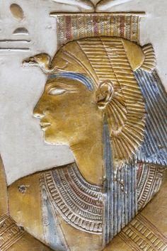 [Egypt 'Horus Shrine in Seti I Temple at Abydos. Ancient Egyptian Artifacts, Ancient Egypt Art, Ancient History, Osiris Tattoo, Luxor, Empire Romain, Isis Goddess, Egyptian Mythology, Tempera