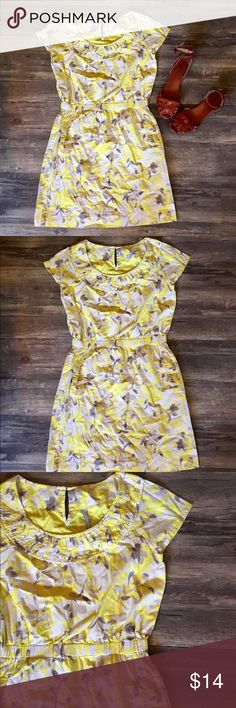 Vintage Style Old Navy Summer Dress The perfect dress for summer! Light and airy vintage-style Old Navy dress. Has pockets! Adorable with brown sandals for a summery night. EUC! Bundle two or more listings and save 20%! Old Navy Dresses Midi
