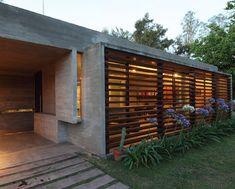 El fondo de casa debería verse así - BAK arquitectos: BA house #fachadasminimalistasconcreto