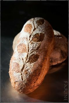 Stencil by breadsong http://www.farine-mc.com/2013/12/baking-with-natural-starters-bread.html