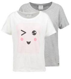Vero Moda 2 Pack Vmbella Japanese Camiseta Print Light Grey Melange Vero Moda 2 Pack Las camisetas de manga corta para mujer no requieren de una exhaustiva presentación; simplemente, no la necesitan.