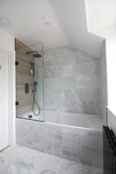 How we renovated our bathroom from uninspiring, gloomy and boring to light and airy. Mandarin Stone Alsace #Honed #Marble #tiles, #herringbone #mosaic. Marble #metro tiles. Carron Index shower bath and Cadmium 18 Bath Screen The Shower Lab. Black Breeze basin #wallmounted mixer tap Methven. Marble and Wood. Small bathroom design, amazing spaces, marble and black taps #bathroom renovation project, cost and product sourcing. #renovation #smallbathroom Black Radiator Modern Marble Bathroom, Wood Bathroom, Bathroom Flooring, Bathroom Faucets, Small Bathroom, Marble Bathrooms, Bathroom Black, Ikea Bathroom, Master Bathrooms