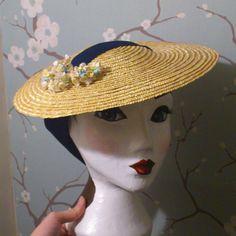 Sombrero de paja sol Elspeth por BetsyHatter en Etsy, £70.00