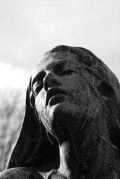 Cemetery Statues, Cemetery Art, Art Sculpture, Sculptures, Greek Statues, Slytherin Aesthetic, Greek Art, Renaissance Art, Ancient Art