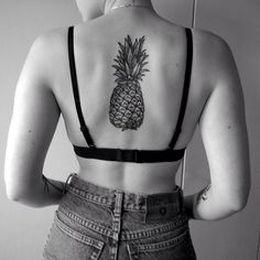 the perfect pineapple tattoo.
