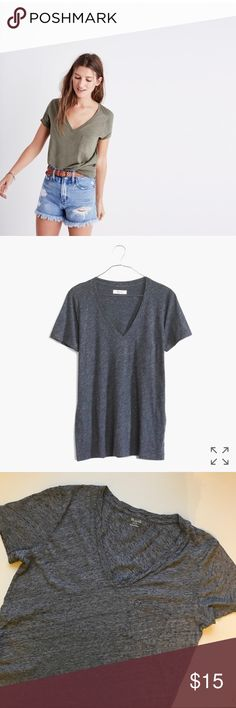 Madewell Pocket Tee •Madewell Vneck Cotton Pocket Tee •Women's Size Small •In Good Condition! Madewell Tops Tees - Short Sleeve