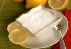 Göbek bölgesindeki fazla kilolarınızdan bir türlü kurtulamıyorsanız yoğurt ve limon kürünü deneyebilirsiniz.