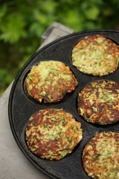 Omenaminttu: Kesäkurpitsapihvit ja jogurtti-omenakastike Dairy Free Recipes, Veggie Recipes, Baby Food Recipes, Vegetarian Recipes, Cooking Recipes, Healthy Recipes, Veggie Food, Food N, Food And Drink