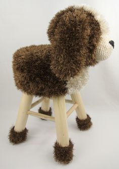 Dieren kruk hond Haakpret Crochet Home, Love Crochet, Learn To Crochet, Crochet For Kids, Crochet Baby, Knit Crochet, Crochet Furniture, Kids Stool, Stool Covers