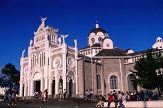 El catedral de Costa Rica es el catedral metropolitana de San José es muy mágico. Es construye de bonita gris ladrillos.
