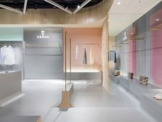 Discover ideas about retail store design Retail Store Design, Retail Shop, Retail Displays, Shop Displays, Merchandising Displays, Window Displays, Shop Interiors, Office Interiors, Commercial Design