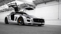 Mercedes SLS AMG Wallpaper 8