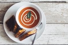 creamy #vegan tomato soup | RECIPE on hotforfoodblog.com - blend everything before you eat it