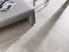 Due to its remarkable resistance, porcelain is the natural choice of ceramic material for flooring in areas with a high level of pedestrian traffic, such as shopping centres, offices or public buildings.