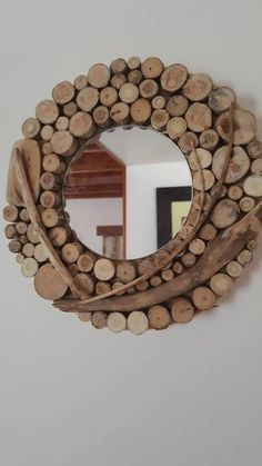 Retrouvez cet article dans ma boutique Etsy https://www.etsy.com/fr/listing/580218650/petit-miroir-rond-decoratif-en-rondins