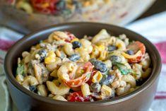 Cowboy Pasta Salad – 12 Tomatoes Macaroni Salad, Pasta Salad, Cooking Panda, Beef Pasta, Mexican Food Recipes, Ethnic Recipes, Stuffed Pasta Shells, Ground Beef Recipes, Summer Salads