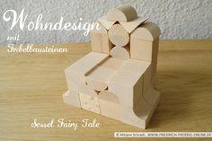 """Ein Sessel wie im Märchen, oder? Der Sessel """"Fairy Tale"""", designt mit Holzbausteinen nach Froebel (Spielgaben, Spielgabe 5B)  Mehr über Fröbel und die Spielgaben:  http://www.friedrich-froebel-online.de/   Diese Bausteine kaufen: http://www.friedrich-froebel-online.de/shop/spielgaben/spielgabe-5b-holzbausteine/#cc-m-product-10078222812"""