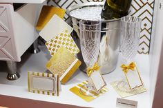 inspiração_regina_descartaveis_novidade_decoração_bella_fiore_festas_branco_dourado_texturas