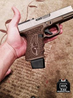 Excellant stipple job on a Glock Weapons Guns, Guns And Ammo, Glock Stippling, Custom Guns, Custom Glock, Tac Gear, Fire Powers, Camouflage, Assault Rifle