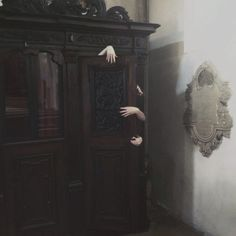i get this is supposed to be creepy but. Tanz Der Vampire Musical, Monster Pinata, Hello Wood, San Myshuno, Creepy, Halloween Door Decorations, Southern Gothic, Chronicles Of Narnia, House On A Hill