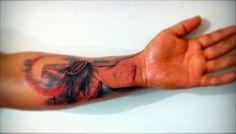 Tatuaje de la crucifixión de Jesus en 3D. Tattoo artist: Jerson Esteban Baron Rueda wuw!!! It's really real