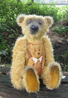 Paul , mein Teddbär . Mohair, Das Bild ist gestickt , etwa 500 Stunden.