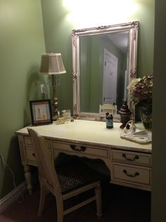 Shabby chic make-up vanity made from an old desk