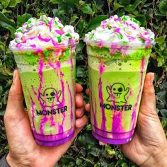 🍩 Yummy 😋 for more pins 🍭 fun desert drinks Candy Drinks, Fun Drinks, Yummy Drinks, Yummy Food, Beverages, Avocado Juice, Avocado Smoothie, Junk Food Snacks, Tumblr Food
