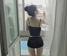 Image about girl in ulzzang by Rim on We Heart It Korean Ulzzang, Korean Girl, Asian Girl, Ulzzang Fashion, Asian Fashion, Girl Fashion, Mode Kpop, Cuerpo Sexy, Uzzlang Girl