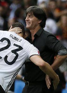 Mit Gomez erhielt das deutsche Angriffsspiel deutlich mehr Torgefahr.