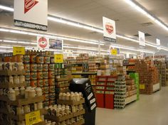 Shopping Grocery Outlets to Save Money