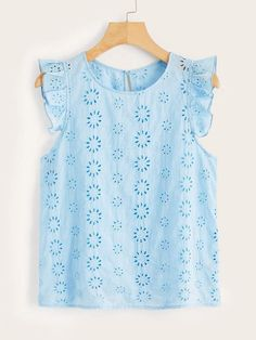 To find out about the Plus Keyhole Back Ruffle Armhole Schiffy Top at SHEIN, part of our latest Plus Size Blouses ready to shop online today! Blue Fashion, Girl Fashion, Fashion Outfits, Plus Size Blouses, Plus Size Tops, Women's Blouses, Grunge Look, Summer Shirts, Types Of Sleeves