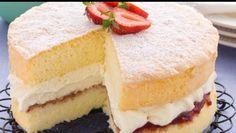 Basic Sponge Cake~ 4 ingredients~ 4 eggs, c. Caster Sugar, 1 t. Köstliche Desserts, Delicious Desserts, Victoria Sponge Kuchen, Pumpkin Cheesecake Muffins, Cheesecake Cookies, Pumpkin Chocolate Chip Bread, Pumpkin Bread, Cupcake Cakes, Cupcakes